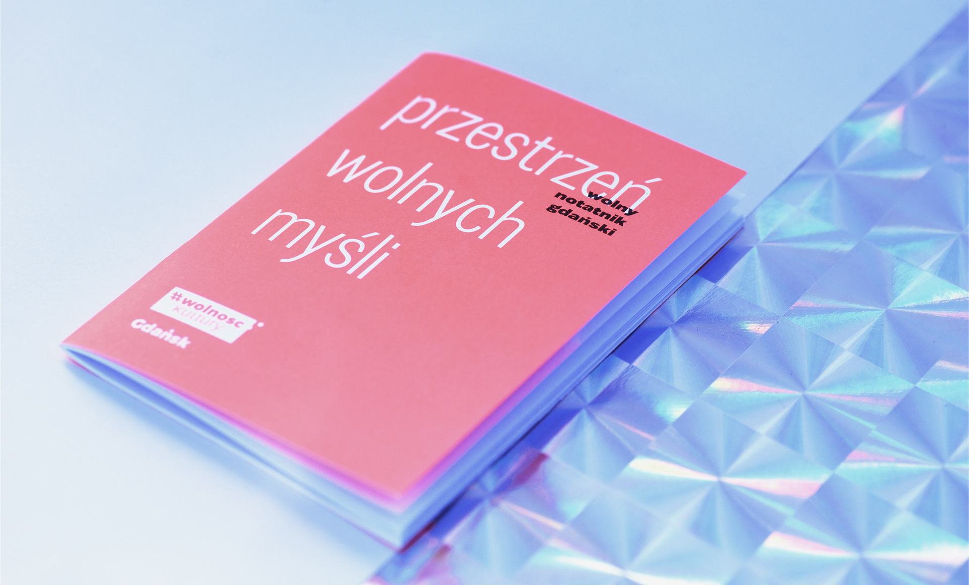 projekt notes artystyczny minimalizm typografia
