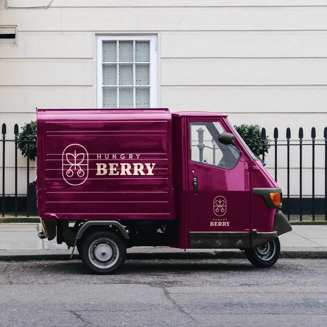 najlepszy projekt logo hungry berry warszawa